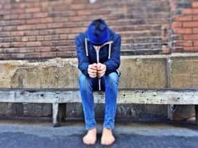homeless_lost_bullied_scared_lonely_youth-652224.jpg!s.jpg